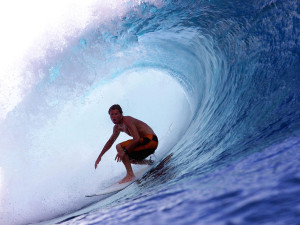 surfer-kelly-slater-gets-three-percent-stake-in-quiksilver